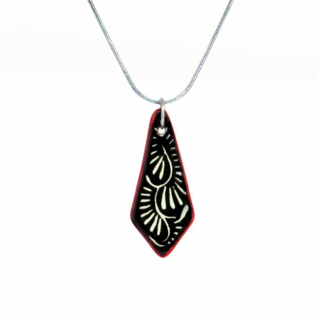 Collar cadena negro filo rojo en acero inoxidable
