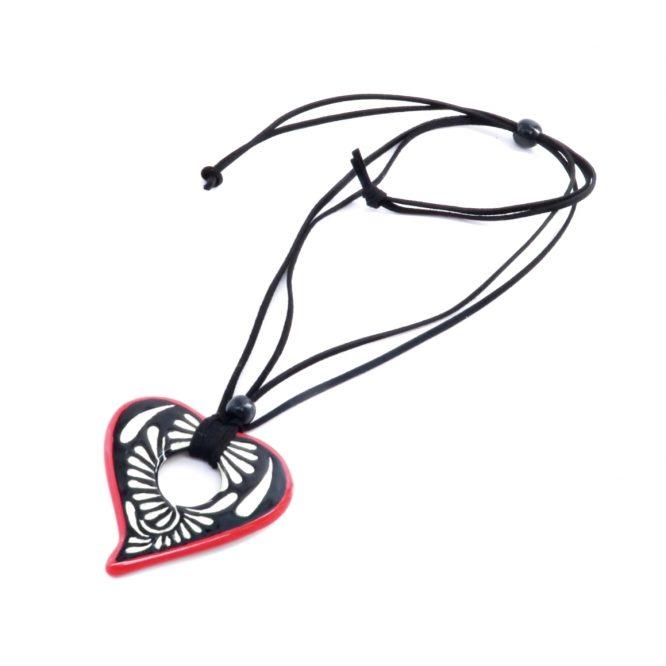 Collar negro corazón en acero inoxidable