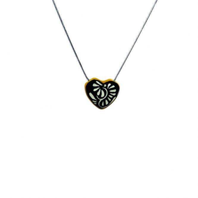 collar corazón chico negro filo amarillo de acero inoxidable