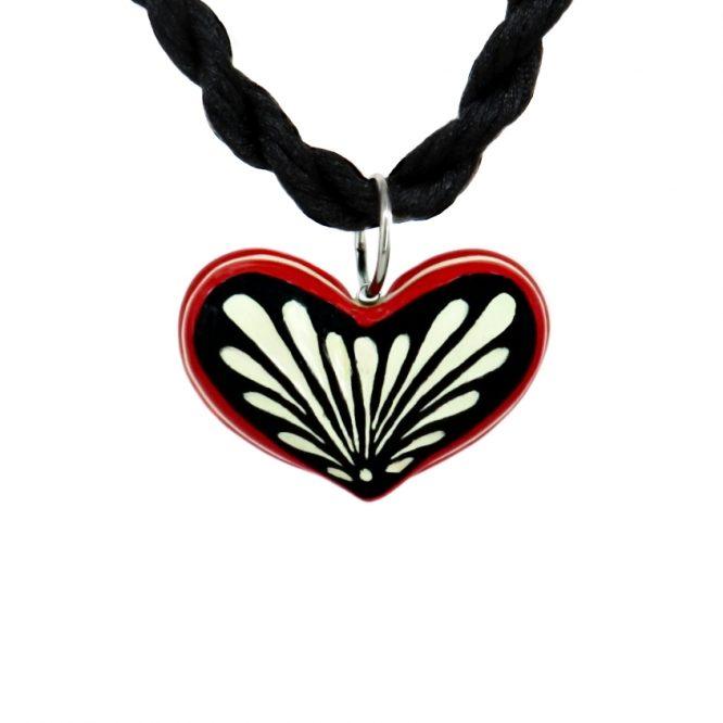 Collar corazón negro filo rojo en acero inoxidable