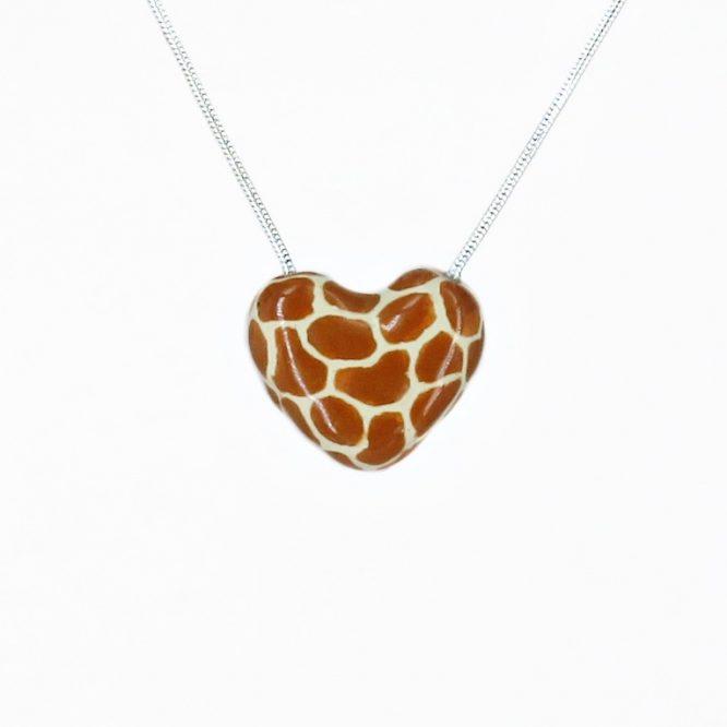 Collar corazón corto safari en acero inoxidable