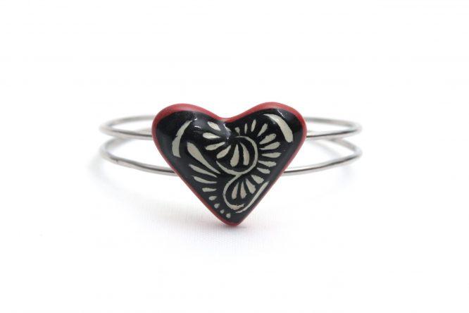 Pulsera corazón negro filo rojo acero inoxidable